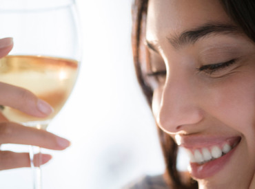 Alcohol and skin: how drinking affects your complexion