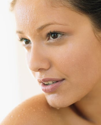 How thermal water protects your skin