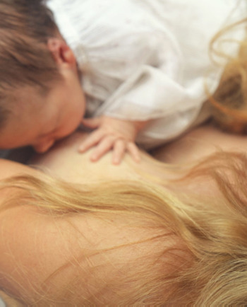 Breastfeeding and hair loss: ways to fight hair loss post-partum